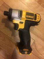 Dewalt impact driver 12v NEUF new 12 volts - outil seulement