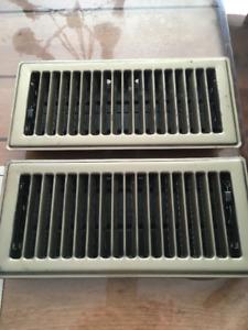 2 grilles de plancher 4x10