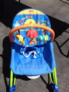 chaise vibrante bercante 2 position  neuve pour bébé