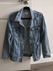 Gap oversize medium indigo denim jacket ($45)
