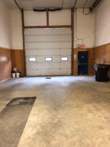 Fox Creek Bay w/offices for rent