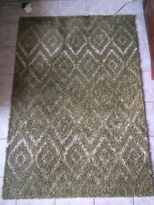 Area Rug approx 5.5ft X 4ft