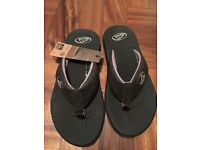 Brand new REEF flip flops size UK7