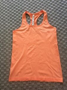 Size 8 lululemon workout top