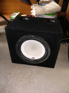 "12"" JVC Subwoofer/Bassworx Box and 340W Clarion Amp"