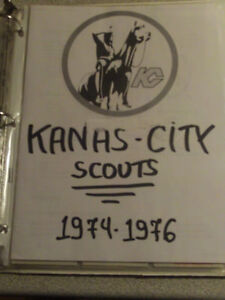 32 CARTES DE HOCKEY DES SCOUTS DE KANSAS-CITY DE LA LNH 1974-76