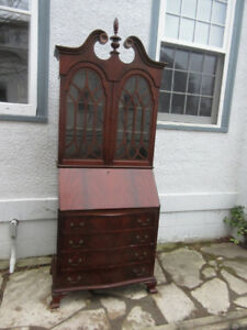 Fabulous Antique (c1935) Mahogany Desk with Upper Display