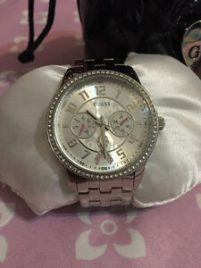 GUESS CHRONOGRAPH LADIES WATCH 100% AUTHENTIC