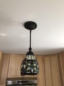 Lampes sur pied, lampes plafonnier et lampe ventilateur