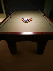 Pool table (full set assessories)