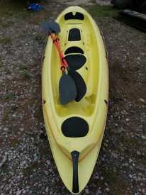 BIC 3 person sit on kayak and 2 paddles