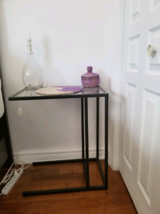Table chevet IKEA en verre