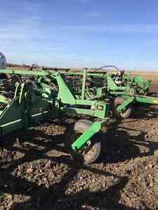 1998 JOHN DEERE 1810 52FT CULTIVATOR WITH RAVEN NH3