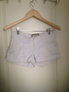 Abercrombie, american Eagle,H&M,Forever 21,Gap,(6 bottom Pieces)