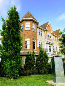 Beautiful Executive Town home in the heart of St Catharines