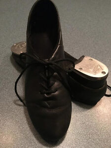 Size 8 Ladies Leather Tap Shoes