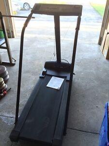 Cadence 860 treadmill