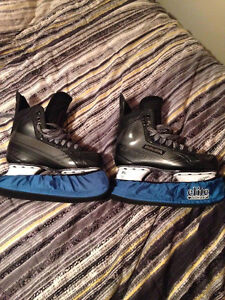 Selling barely used Bauer Supreme skates size 10.5 mens
