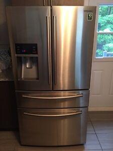 Réfrigérateur Samsung neuf a moitié prix$$$