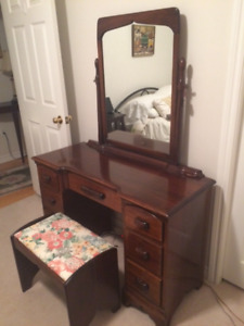 Vintage Dressing table with mirror and bench