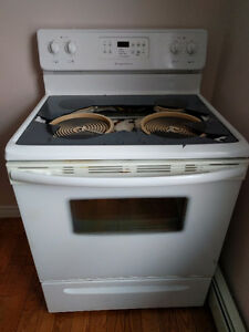 Frigidaire stove free to be picked up. *broken glass top*