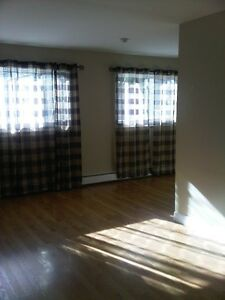 BEDFORD NEWLY RENOVATED 2  BEDROOM APARTMENT