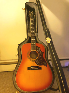 Epiphone Hummingbird Pro Acoustic/Electric  (hard case included)
