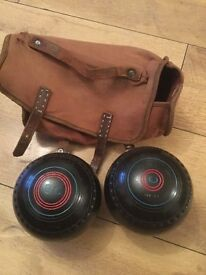 Pair of haselite bowls in carry case