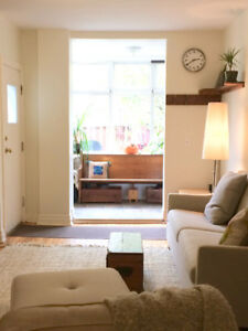 BEAUTIFUL 1 BEDROOM IN THE HEART OF RIVERDALE!