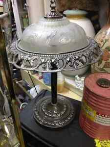 HEAVY CAST METAL & GLASS TABLE LAMP A BEAUTIFUL LIGHT!