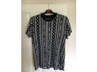 Black and white patterned top man t-shirt