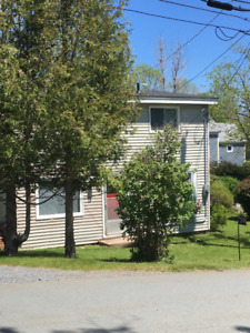 Charming 3-bedroom house in Mahone Bay available December 1st