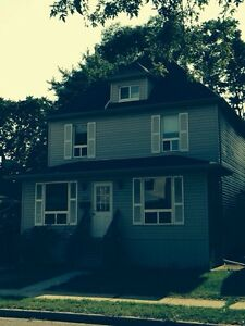 Room For Rent Near U of W  - Female Tenants Only