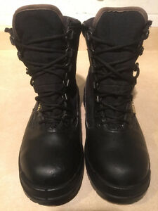 Men's Rocky Gore-Tex Boots Size 8 London Ontario image 2