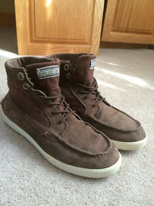 DIAMOND SUPPLY BROWN HIGH TOPS - SIZE 9