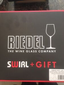 Riedel Decanter and Wine Glass Set -crystal West Island Greater Montréal image 2