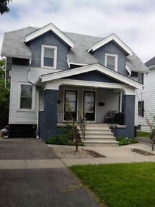 Upgraded 2 bed side by side duplex 800+