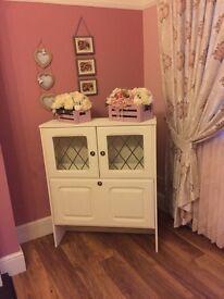 Shabby display cabinet