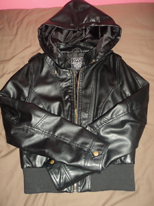 New Womens Faux Leather Jacket in Size XL
