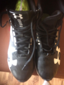Men's Under Armour football cleats size 9.5