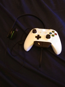 Xbox one wireless controller and headset