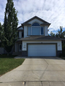 Beautiful Home for Sale in Foxboro, Sherwood Park