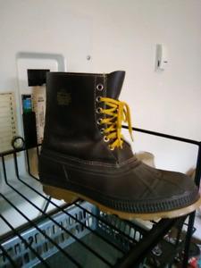 NEW! Size 12 vulkan winter boots