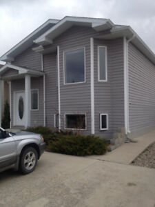 5 Bed/2 Bath Fully Furnished House For Rent