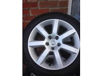 Nissan 350Z 17 inch alloy wheels