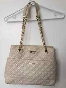 GUESS Leather Purse Cambridge Kitchener Area image 1