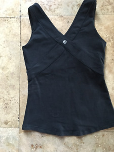 Lululemon top black good condition size 4