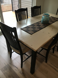 Dining Table - Canadel / Champlain