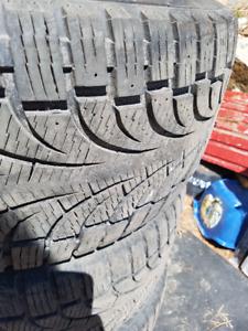 Pirelli Pneus d hiver 275/45 r20