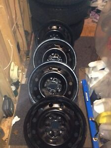 "Rims 16""  5 bolts"